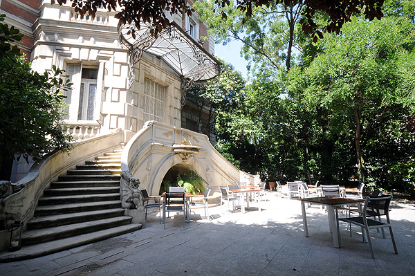 Un c ctel en el jard n oasis urbanos madrid me for Casa y jardin madrid